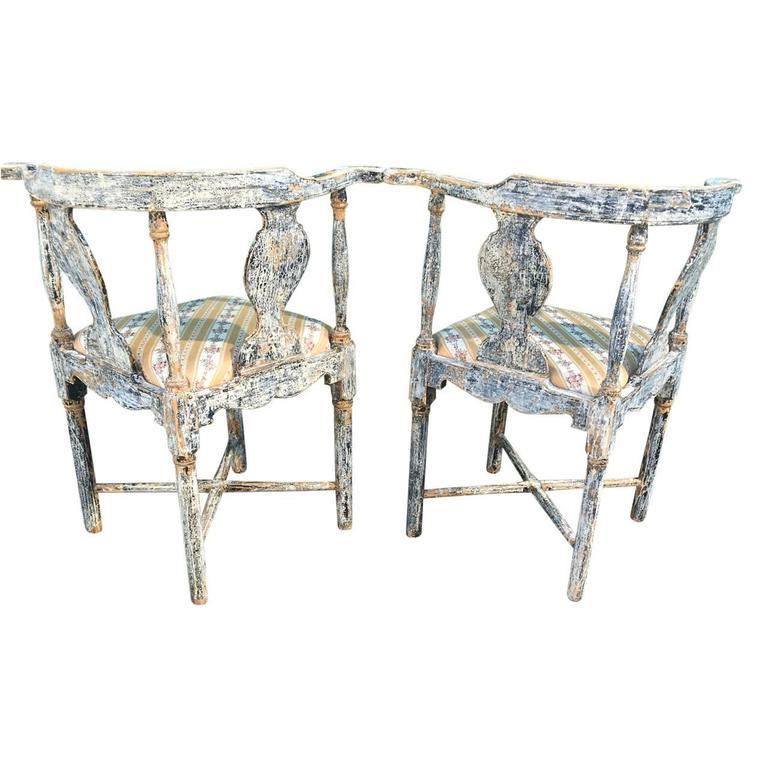 19th Century Pair of Swedish Gustavian Corner Armchairs For Sale