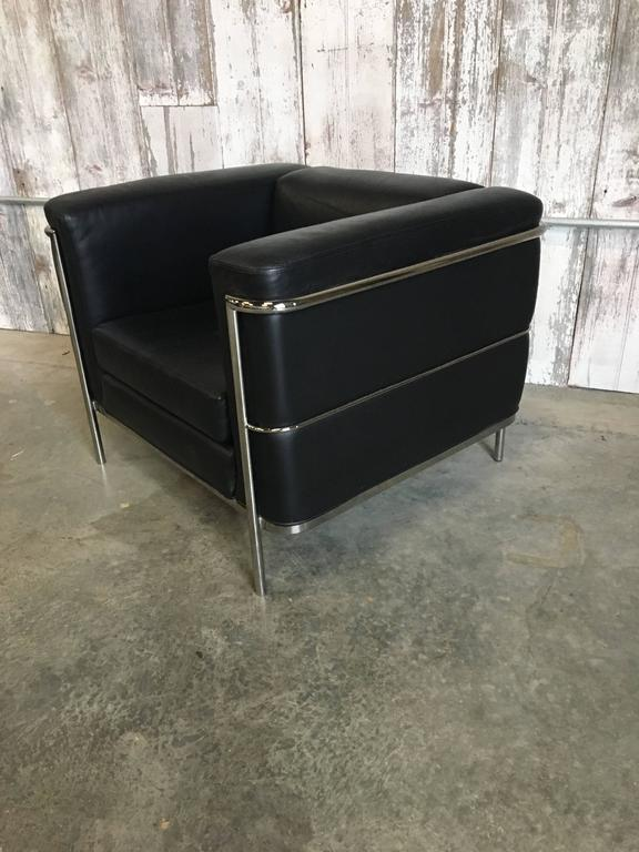 Pair of Lounge Chairs by Jack Cartwright In Black Leather For Sale 1