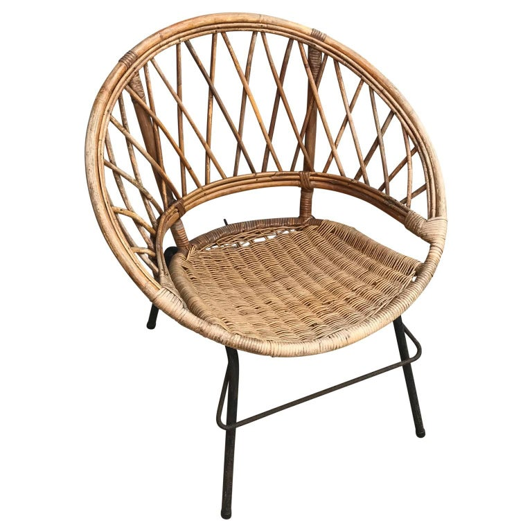 French Vintage Wicker Loop Chair In Good Condition For Sale In Haddonfield, NJ