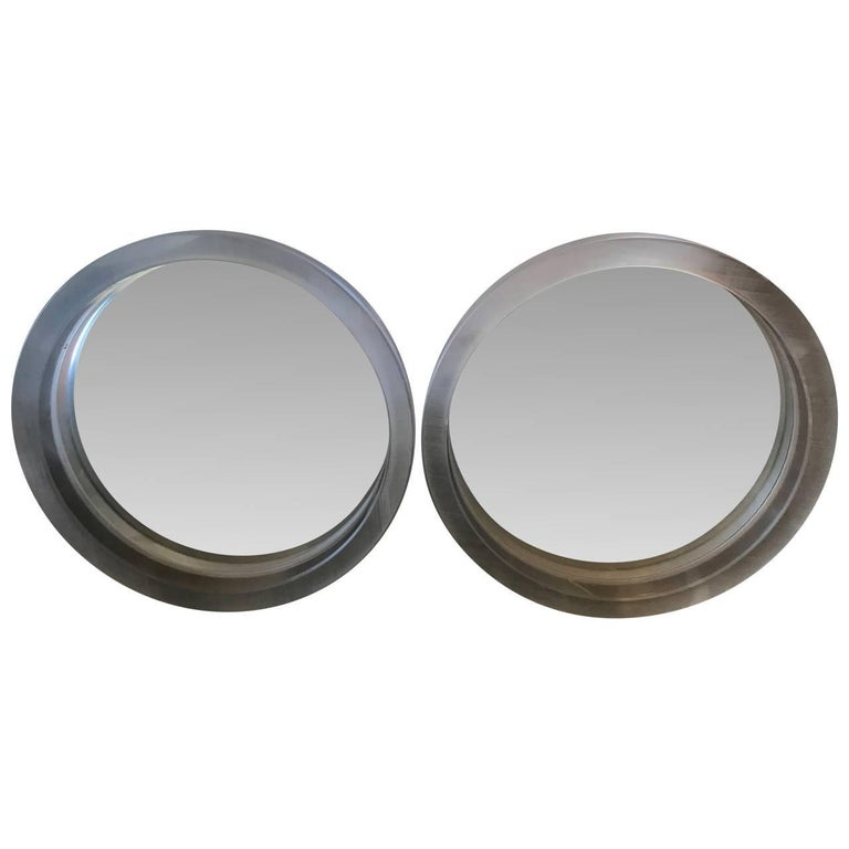 Pair of Large Modern Lucite Round Mirrors In Good Condition For Sale In Haddonfield, NJ