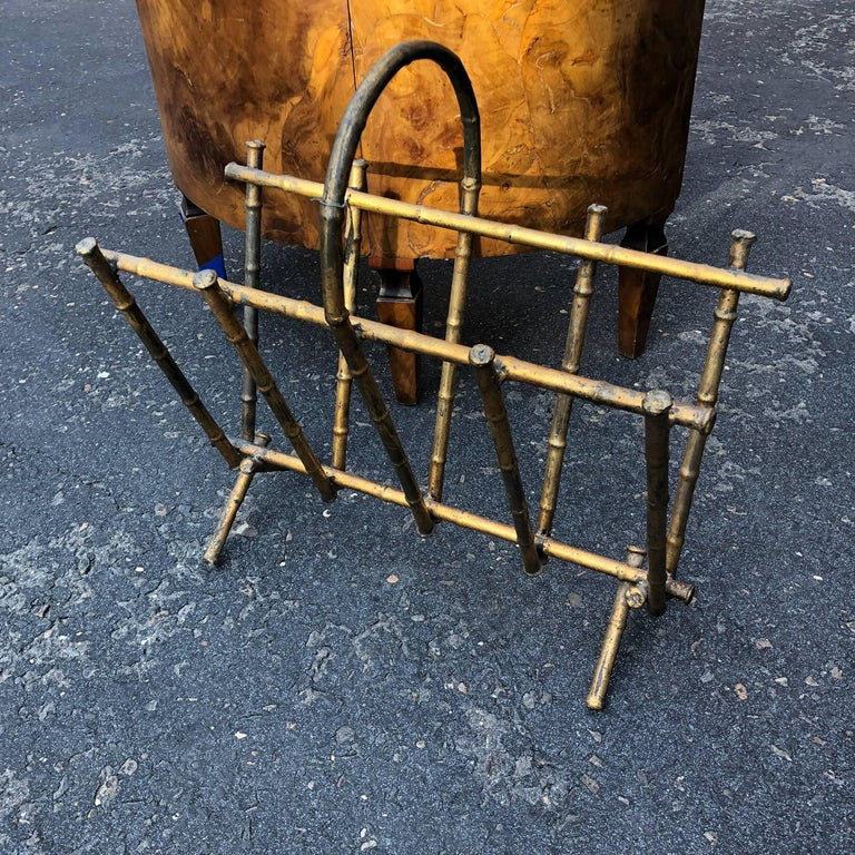 Vintage Spanish Faux-Bamboo Gilt-Metal Magazine Rack In Good Condition For Sale In Haddonfield, NJ