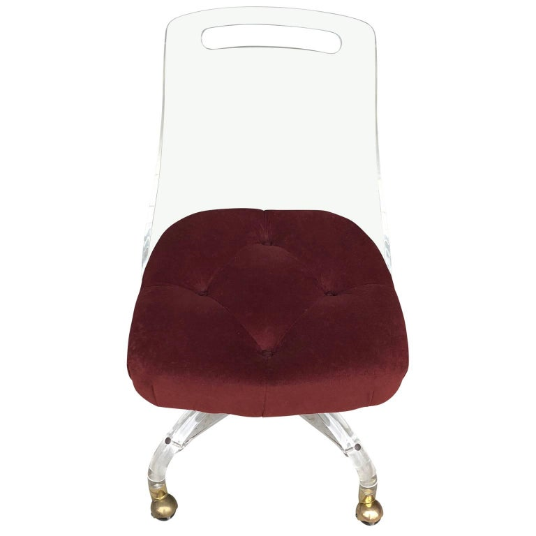 Hollywood Regency Vintage Mid-Century Modern Lucite and Brass Slipper Chair For Sale