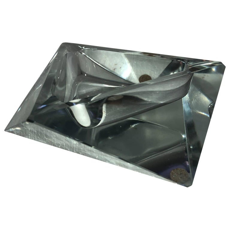 20th Century Large Art Deco Baccarat Faceted Crystal Star-of David Ashtray For Sale