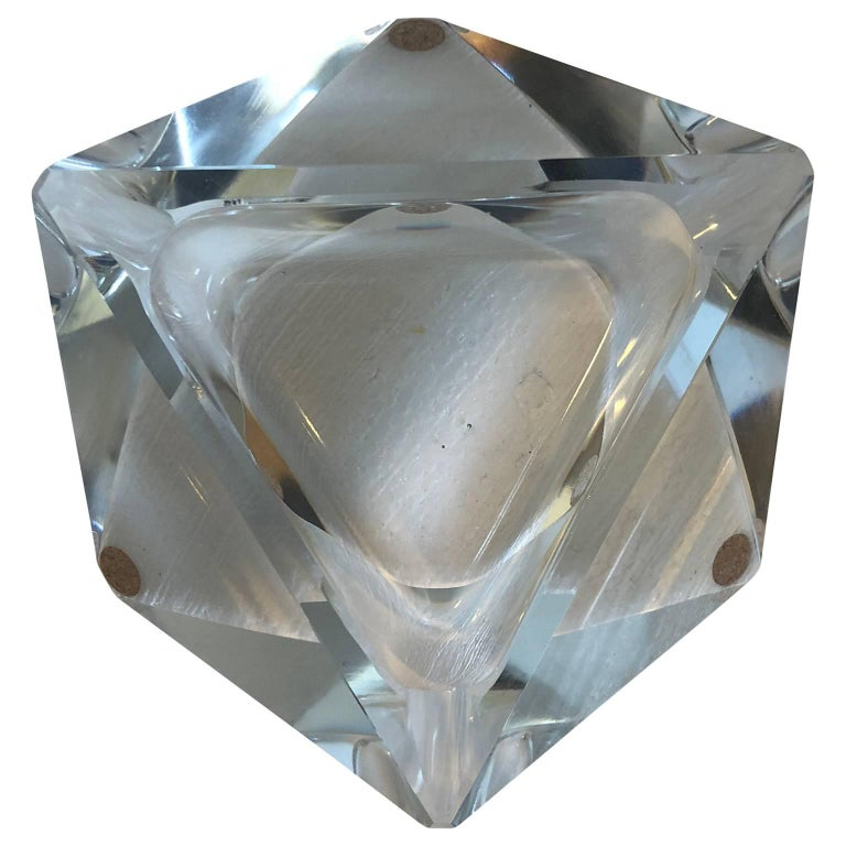 Hand-Crafted Large Art Deco Baccarat Faceted Crystal Star-of David Ashtray For Sale