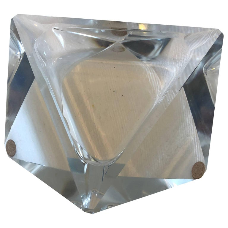 Large Art Deco Baccarat Faceted Crystal Star-of David Ashtray For Sale 2