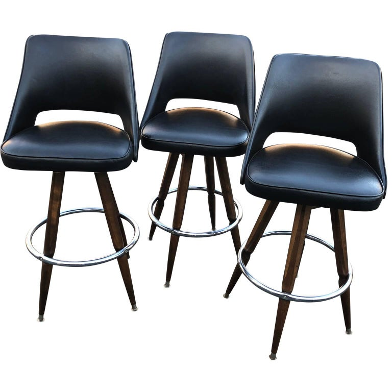 Set of Three Black Faux-Leather Bar Stools In Good Condition In Haddonfield, NJ