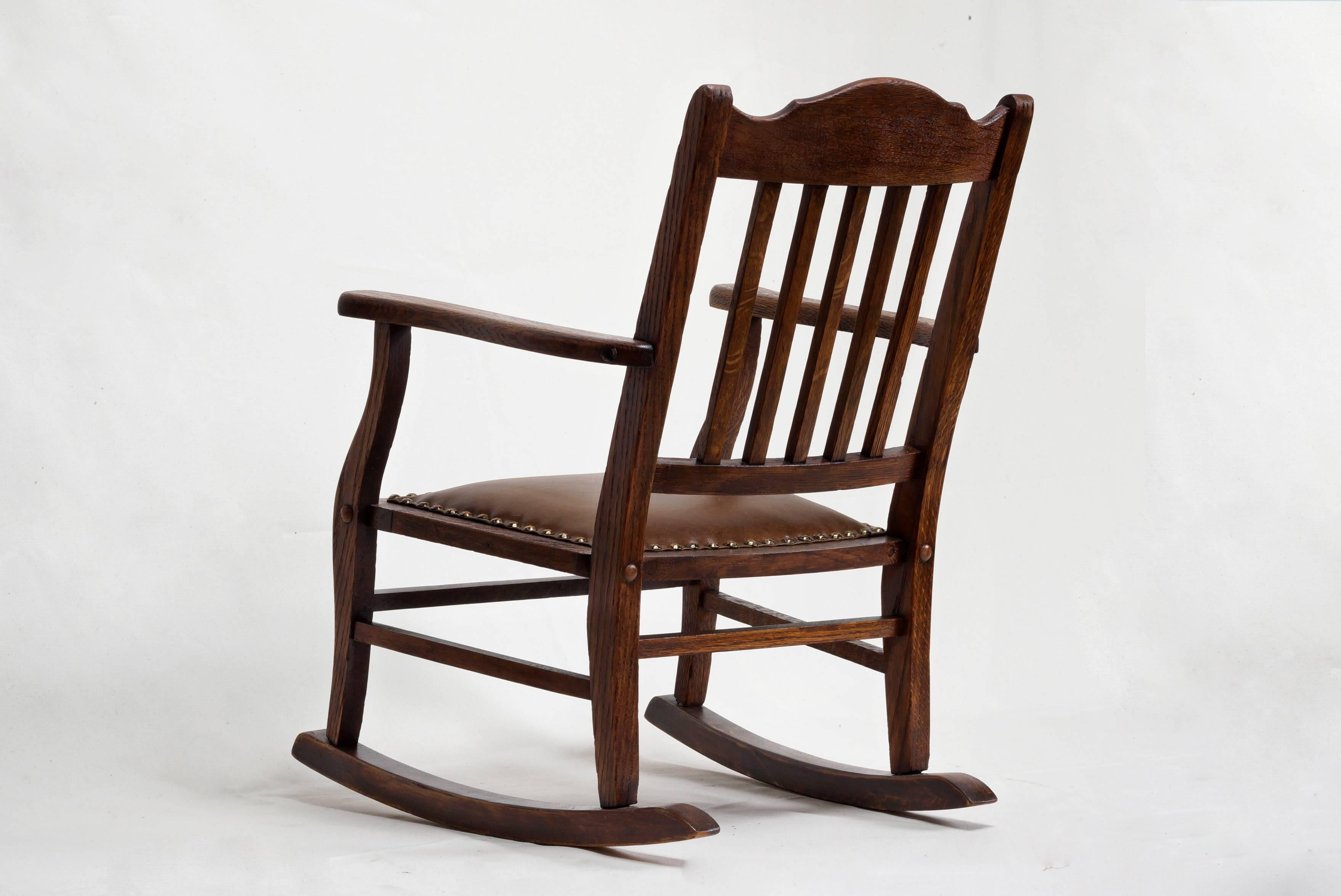 Delicieux American Craftsman Childu0027s Rocking Chair In Excellent Condition For Sale In  Alhambra, ...