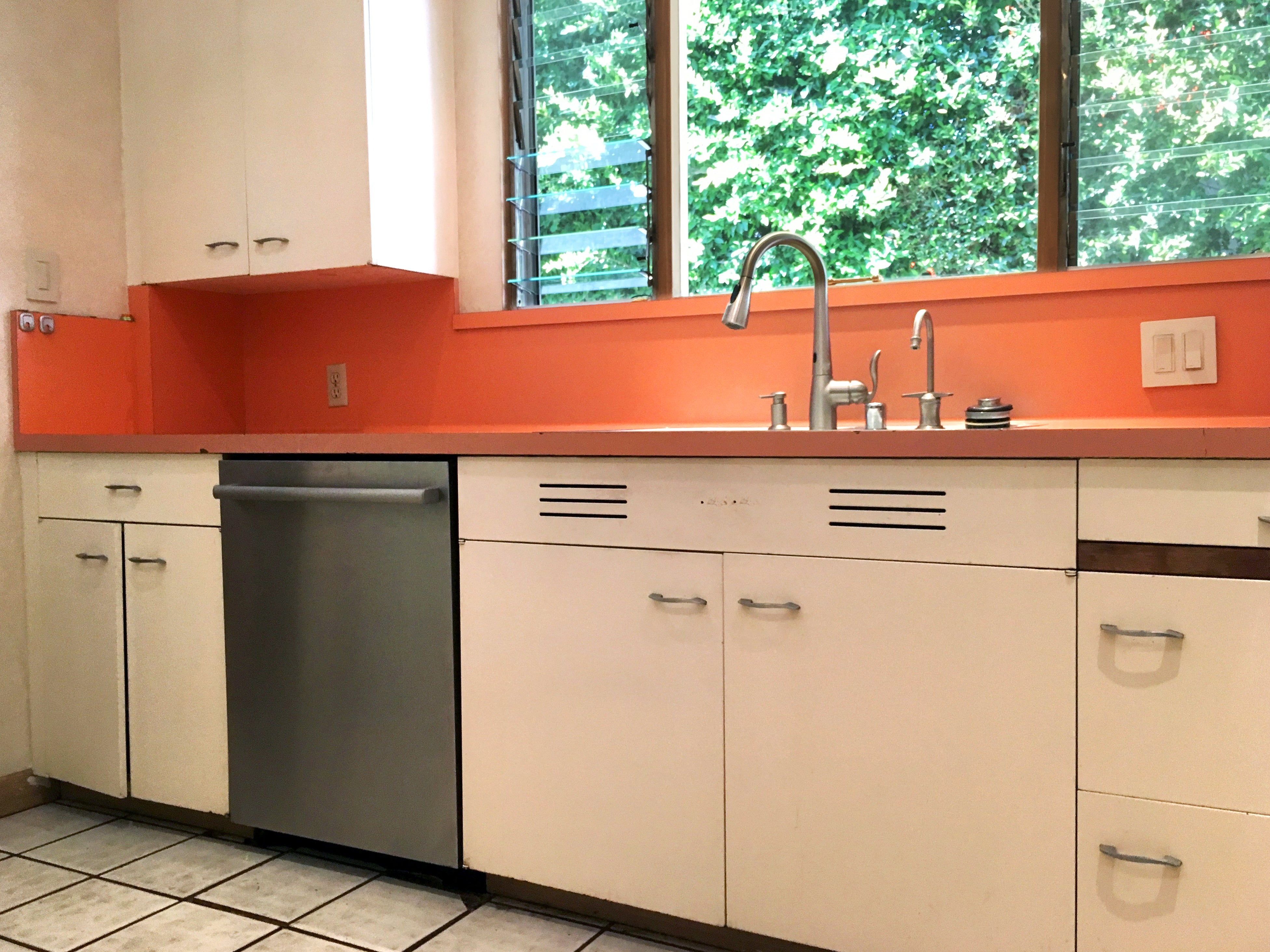Entire St Charles 1960s Mid Century Modern Kitchen And Pantry At 1stdibs