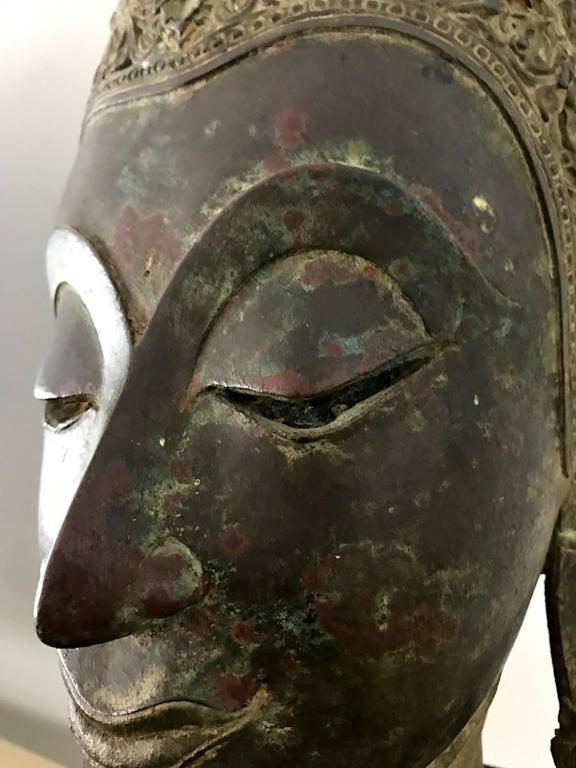 Antique Bronze Buddha Head on Stand from Thailand In Good Condition For Sale In North Miami, FL