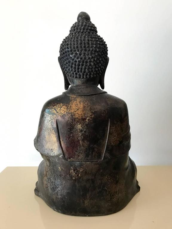 Ming Large and Fine Antique Bronze Buddha For Sale