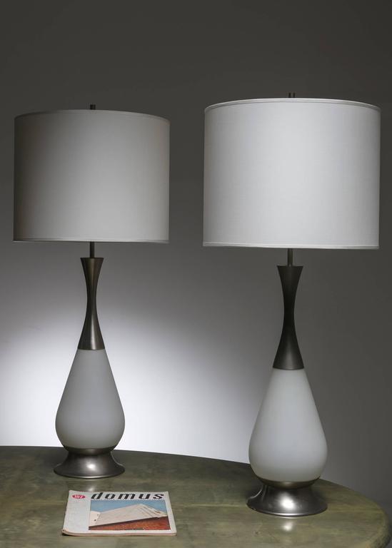 Marvellous Pair of Stilnovo Table Lamps For Sale 1