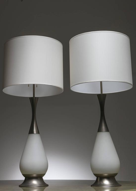 Italian Marvellous Pair of Stilnovo Table Lamps For Sale