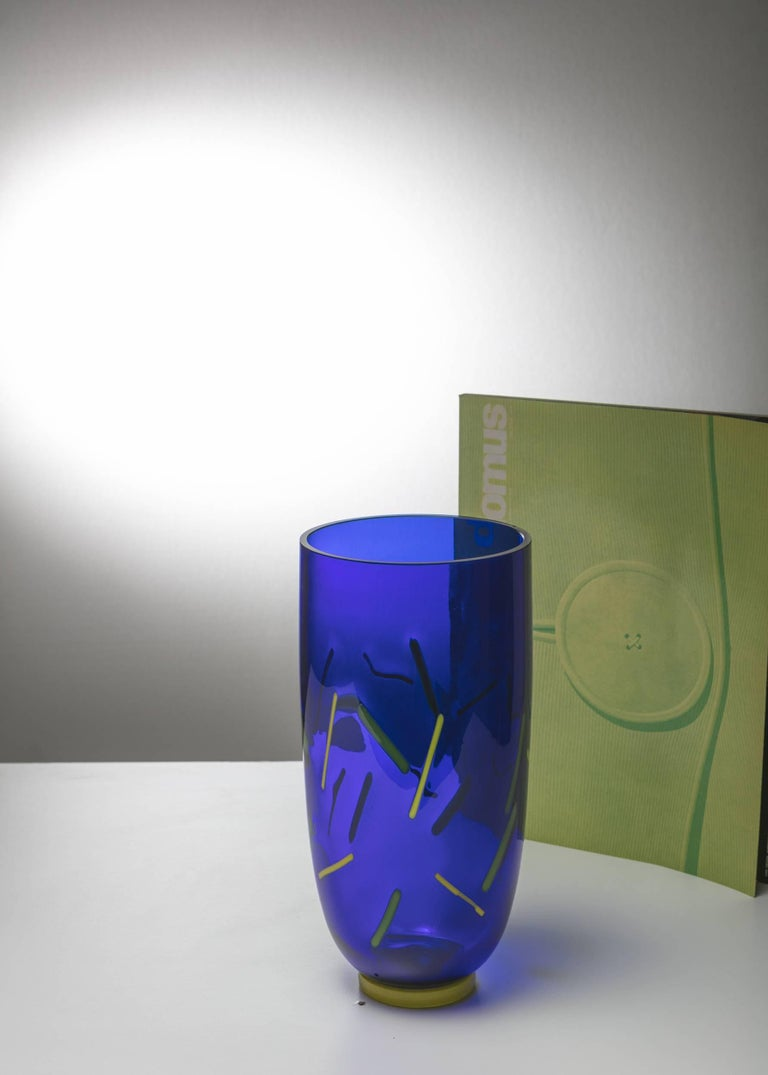 Postmodern Murano Glass Vase by Barovier and Toso In Excellent Condition For Sale In Milan, IT