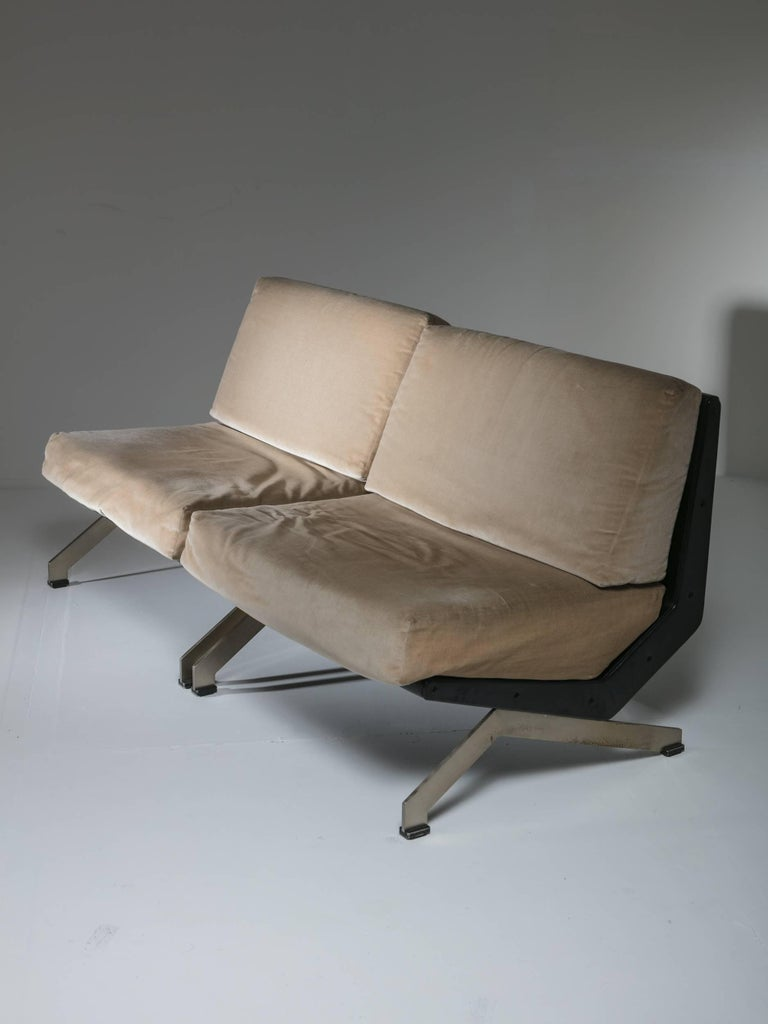 Italian Pair of Lounge Chairs by Gianni Moscatelli for Formanova For Sale