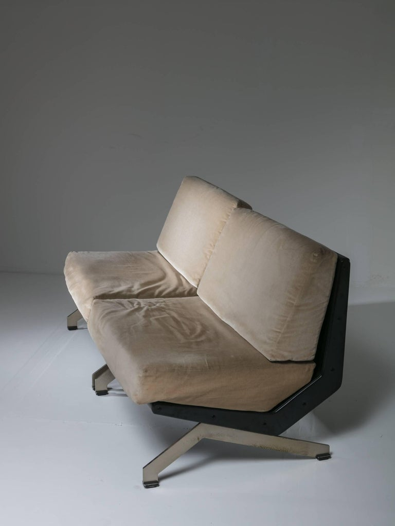 Pair of Lounge Chairs by Gianni Moscatelli for Formanova In Good Condition For Sale In Milan, IT
