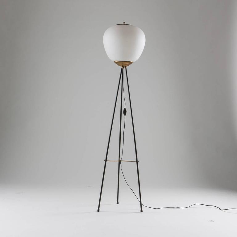 Beautiful Stilnovo floor lamp.