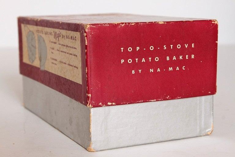 Mid-20th Century Art Deco Machine Age Potato Baker, Raymond Barton for Na - Mac For Sale