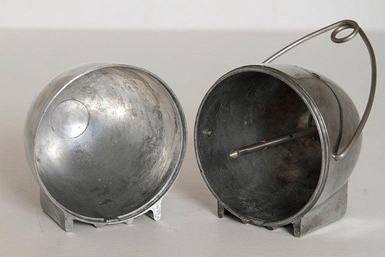 Aluminum Art Deco Machine Age Potato Baker, Raymond Barton for Na - Mac For Sale