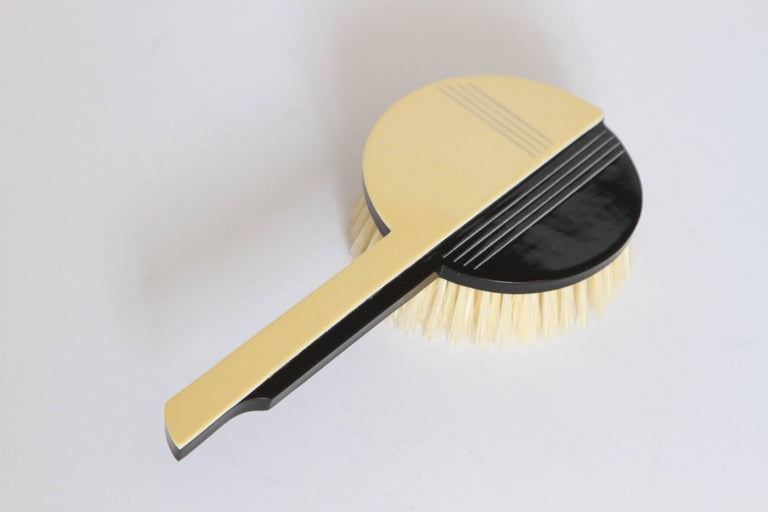 Machine Age Art Deco Gustav Jensen Streamline Phenolic Vanity Set by Dupont In Excellent Condition For Sale In Dallas, TX
