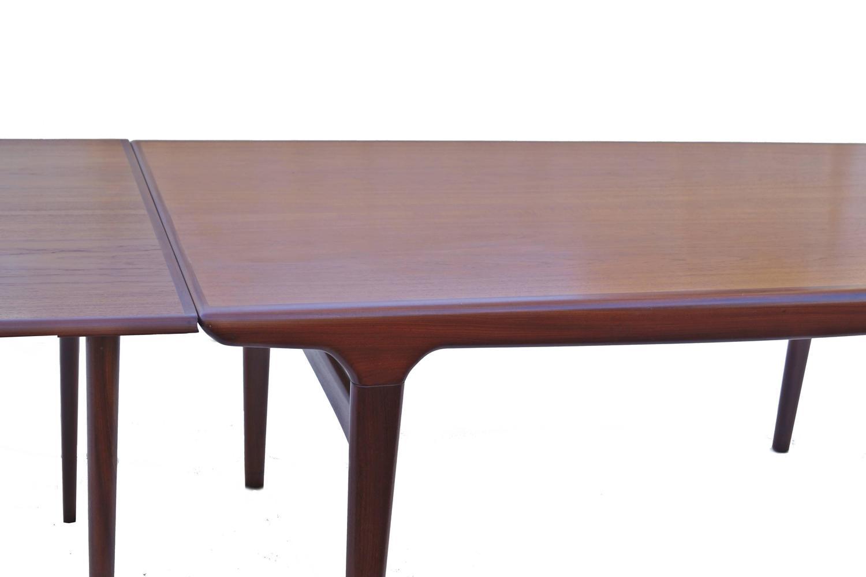 Stow away poker table set