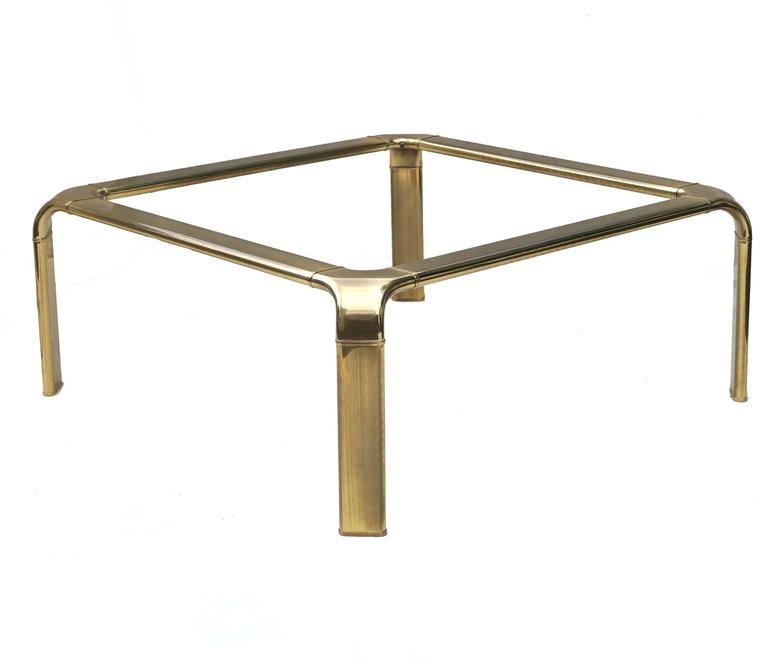 Mastercraft Modern Hollywood Regency Brass and Glass Coffee Cocktail Table 3