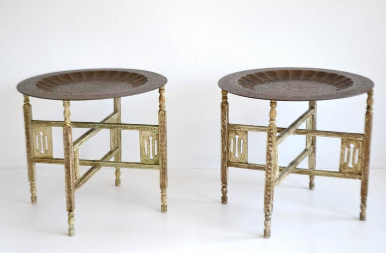 Pair of Anglo-Indian Brass Tray Tables In Excellent Condition For Sale In West Palm Beach, FL