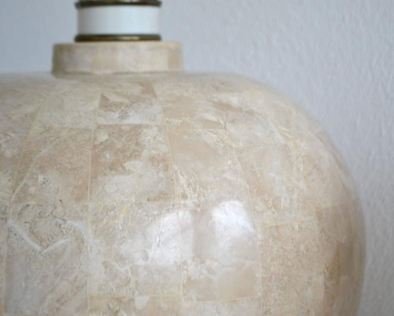 Pair of Postmodern Tessellated Stone Table Lamps In Excellent Condition For Sale In West Palm Beach, FL