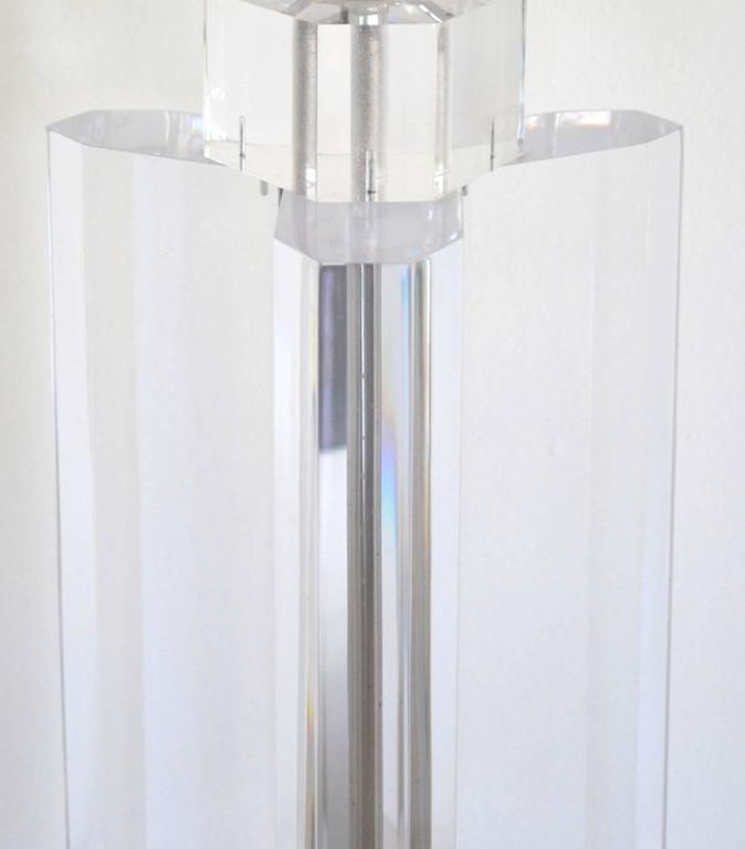 Mid-Century Modern Midcentury Stunning Geometric Form Lucite Table Lamp For Sale