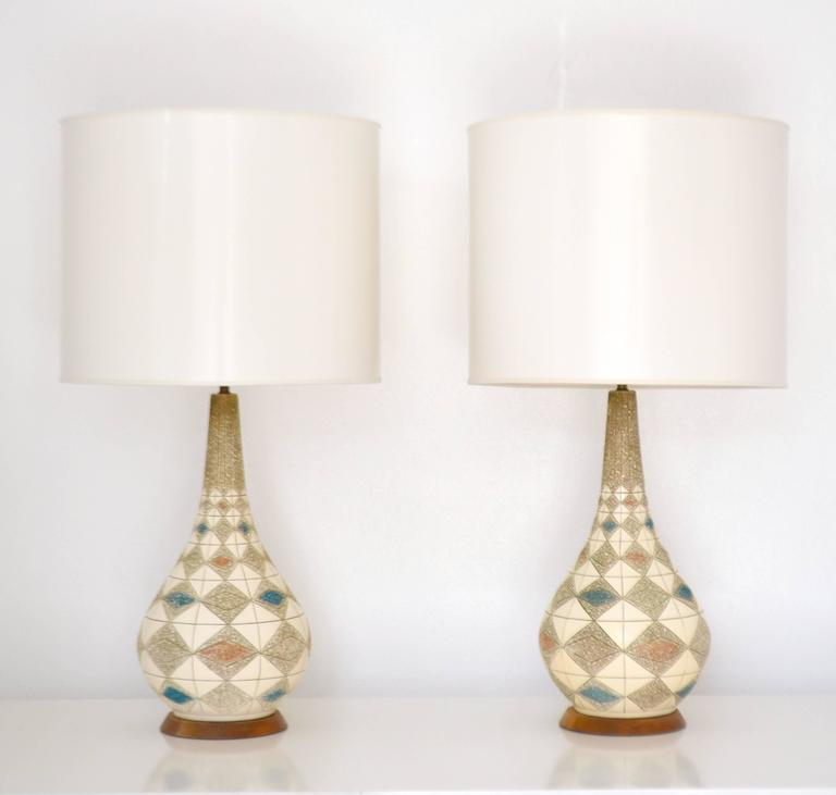 Wood Pair of Mid-Century Ceramic Table Lamps For Sale