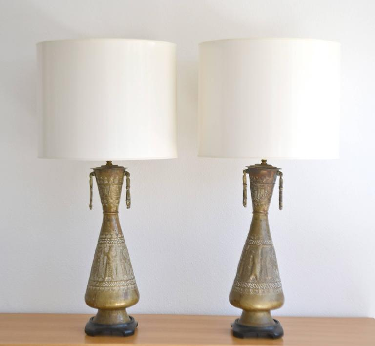 Metal Pair of Mid-Century Brass Table Lamps For Sale