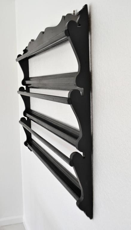 Midcentury Wooden Fretwork Hanging Plate Rack In Good Condition For Sale In West Palm Beach, FL