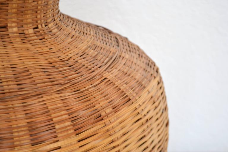 Brass Mid-Century Woven Rattan Basket Form Table Lamp For Sale