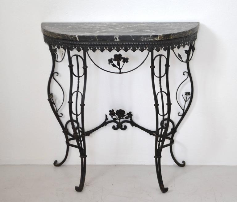 Hollywood Regency Style Italian Wrought Iron Console Table with Marble Top In Excellent Condition For Sale In West Palm Beach, FL