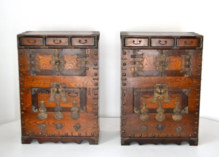 Asian Pair of Hollywood Regency Campaign Style Side Tables For Sale