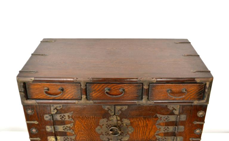 Pair of Hollywood Regency Campaign Style Side Tables For Sale 1
