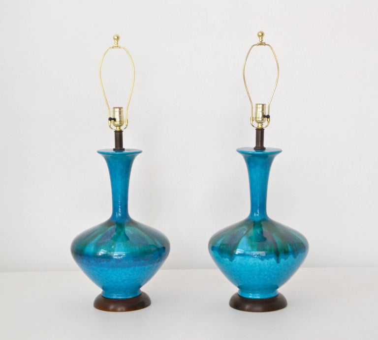 Mid-Century Modern Pair of Mid-Century Blue Green Crackle Glazed Ceramic Jar Form Table Lamps For Sale