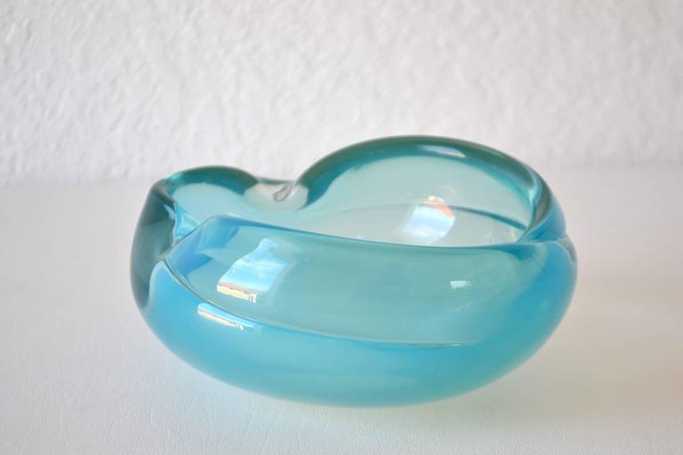 Mid-Century Modern Mid-Century Italian Blown Glass Bowl For Sale