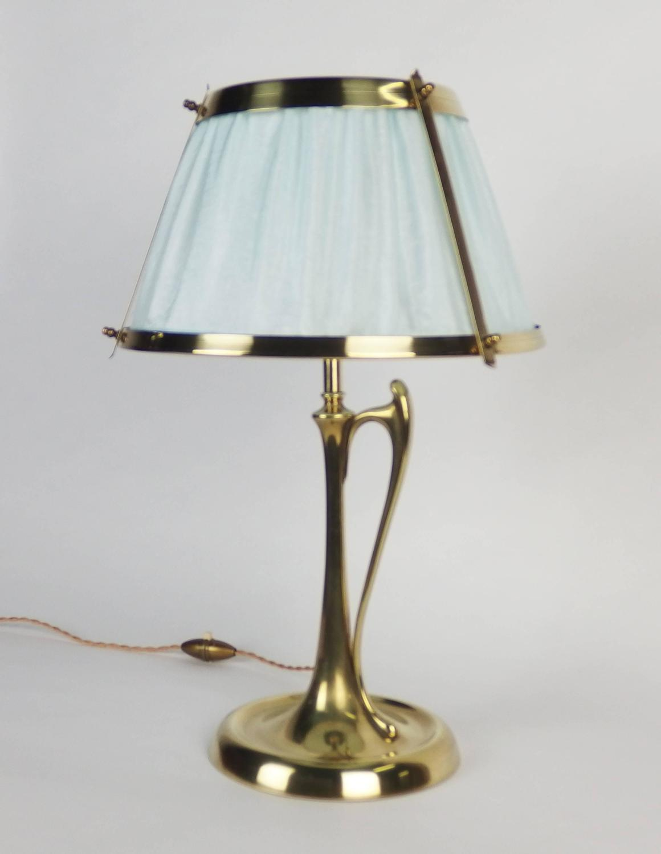arts and crafts bronze table lamp for sale at 1stdibs. Black Bedroom Furniture Sets. Home Design Ideas