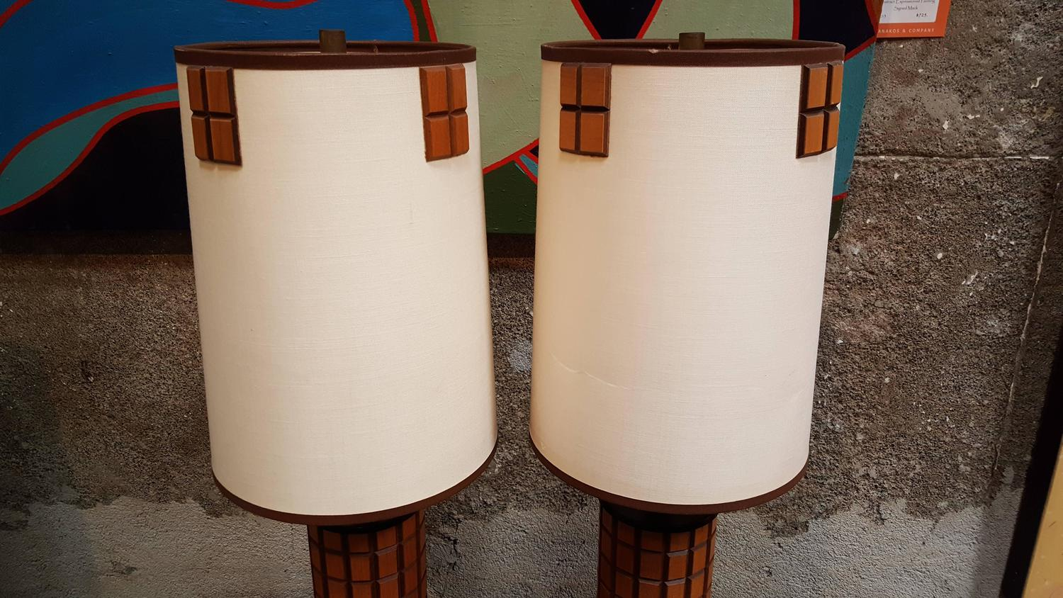 pair of mid century wooden tile table lamps for sale at 1stdibs. Black Bedroom Furniture Sets. Home Design Ideas
