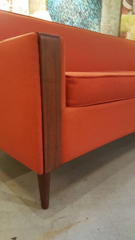 1960's Sofa Style of Paul McCobb 2