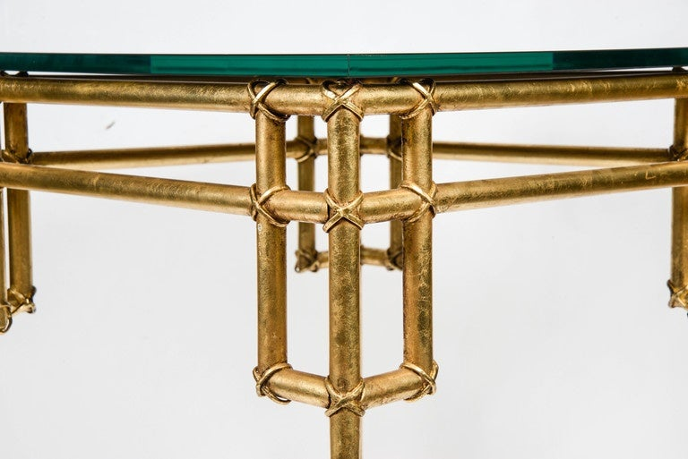 Mid-Century Modern Pair of Side Tables in the Style of Baguès For Sale