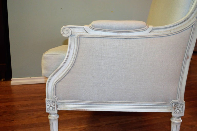 Louis XVI Style Painted Settee, Canape, Newly Upholstered in Grey Belgium Linen For Sale 3