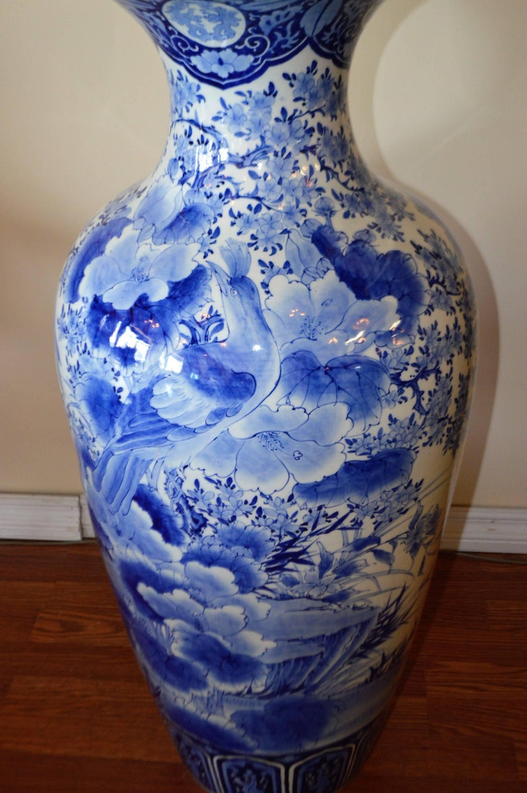 Stunning Large And Highly Decorative Blue White 19th Century Imari Anese Hand Painted