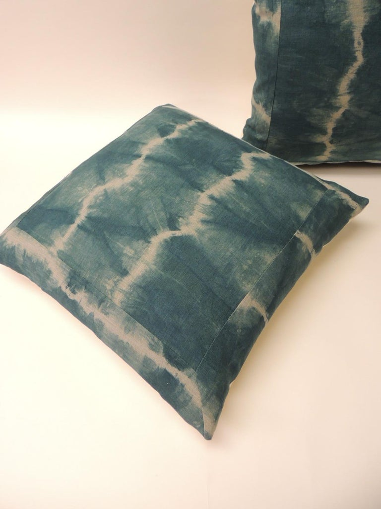 Hand-Crafted Pair of Vintage Green Shibori Square Throw Pillows For Sale