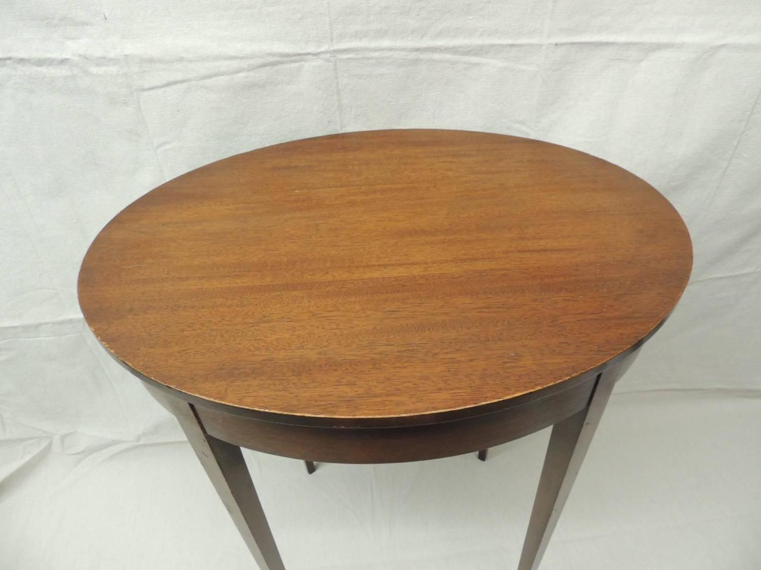 Vintage Oval Wood Side Table With Square Tapered Legs For