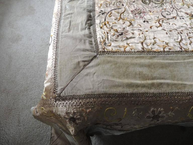Hand-Crafted Green Asian Silk Embroidered Bed Cover or Wall Hanging Tapestry For Sale