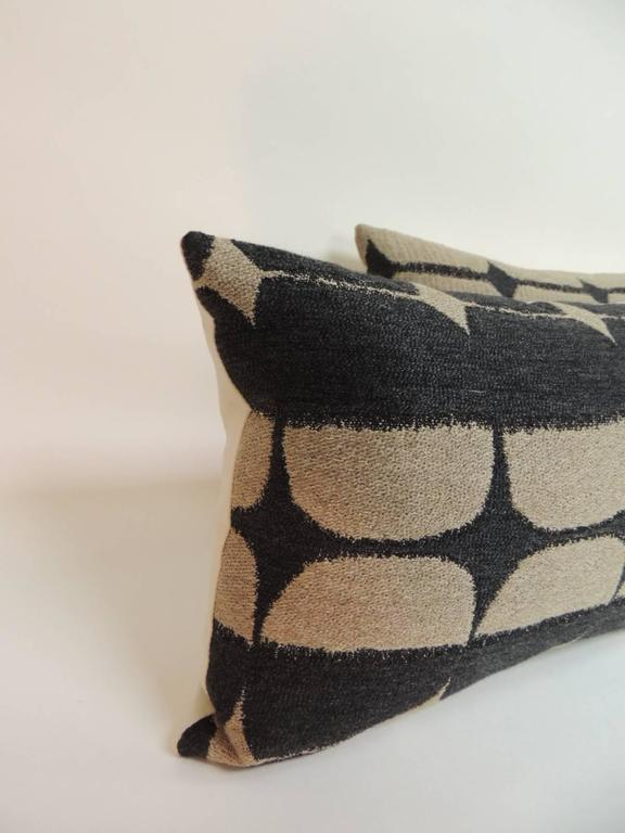 Pair of Mid-Century Modern Graphic Lumbar Decorative Pillows at 1stdibs