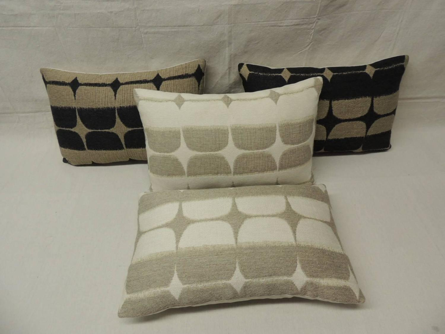 Mid-Century Modern Lumbar Pillows For Sale at 1stdibs