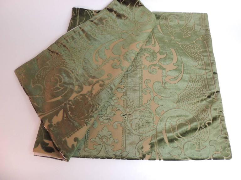 Hand-Crafted 19th century silk velvet Gaufrage green throw For Sale