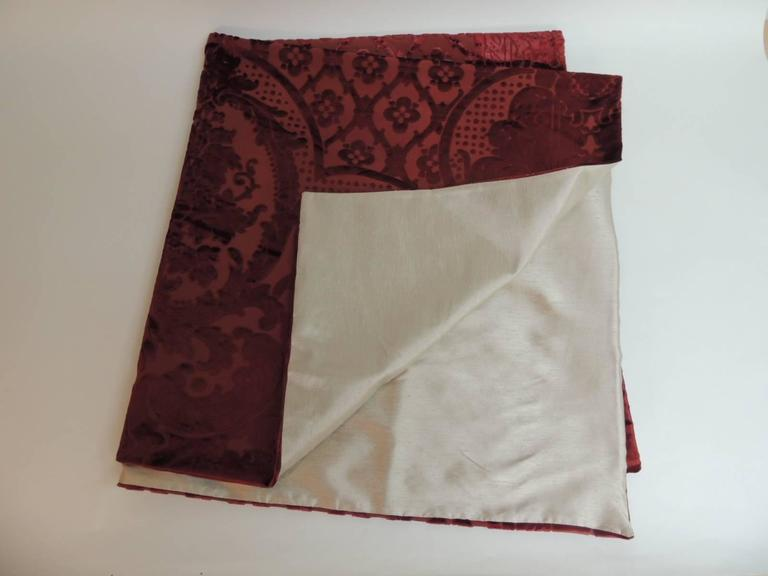 Hand-Crafted 19th century silk velvet Gaufrage red throw For Sale